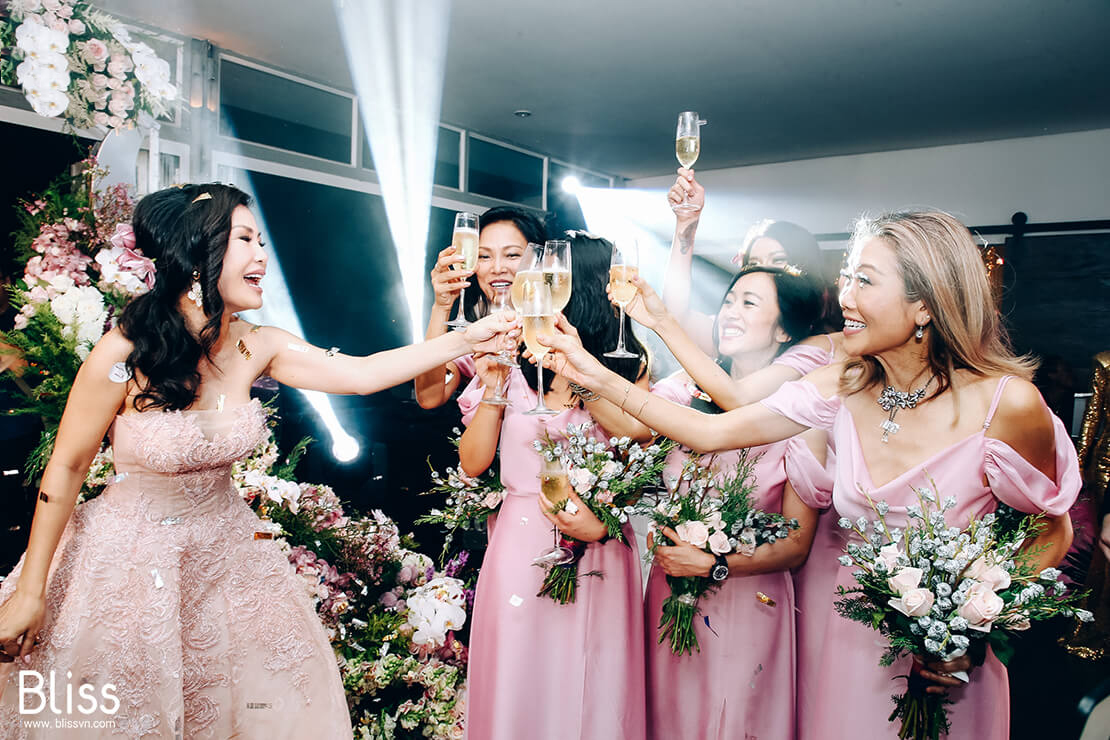 bliss wedding planner in vietnam, bride and bridemaids, phụ dâu trong đám cưới