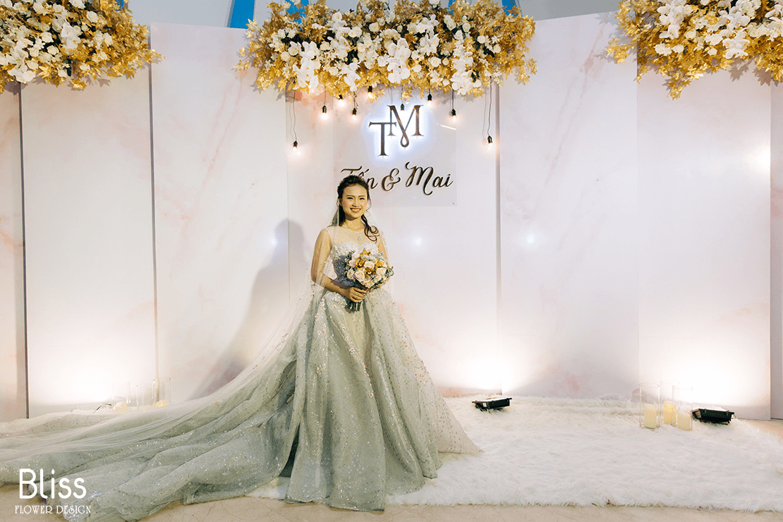 trang trí hoa tươi backdrop tiệc cưới tại adora luxury, bliss flower design, wedding backdrop decor,