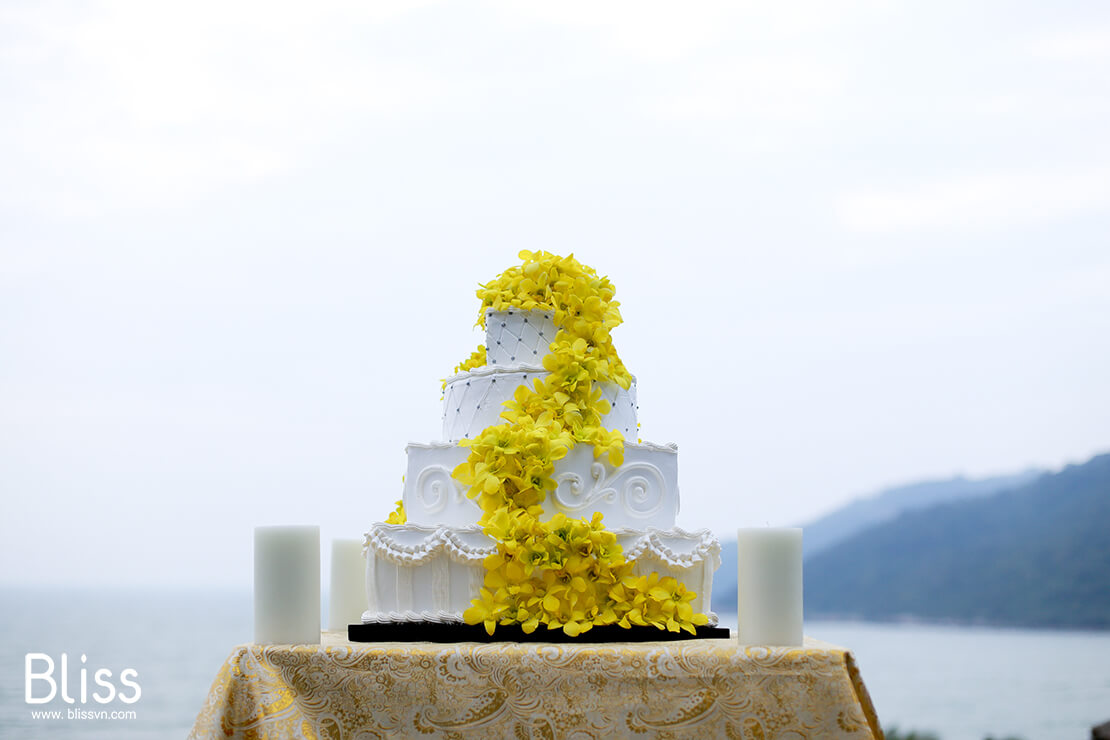 vietnam beach wedding decoration by bliss wedding planner vietnam