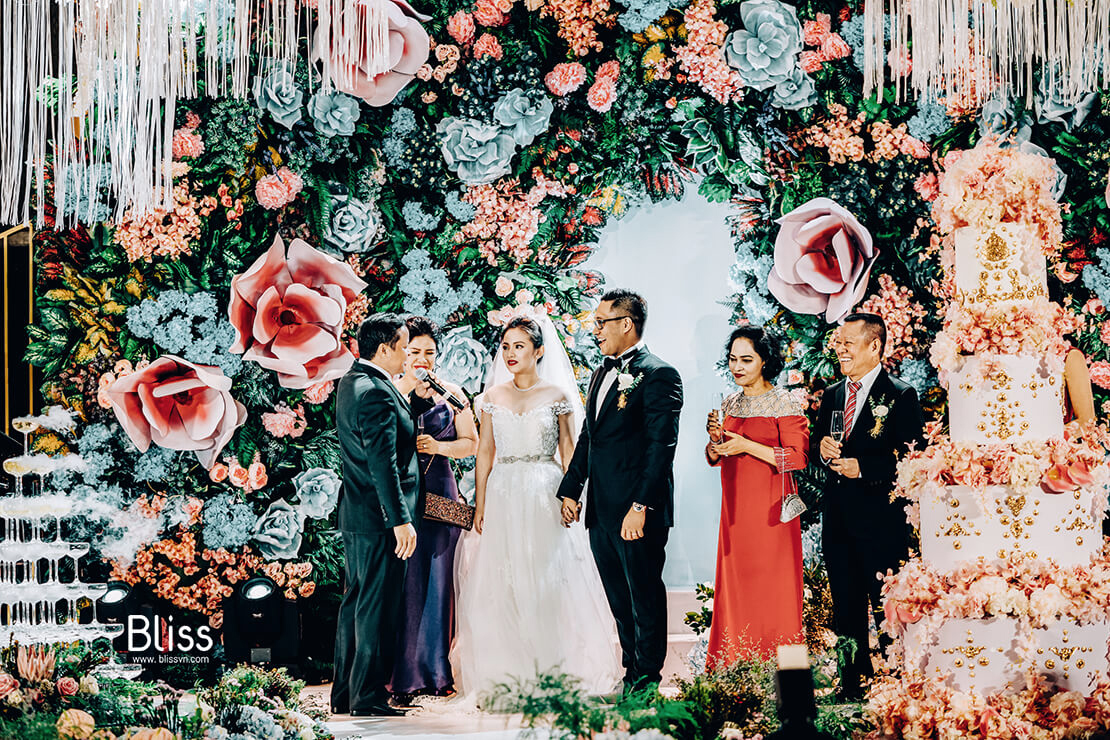 luxury wedding venues vietnam in the reverie saigon by bliss wedding