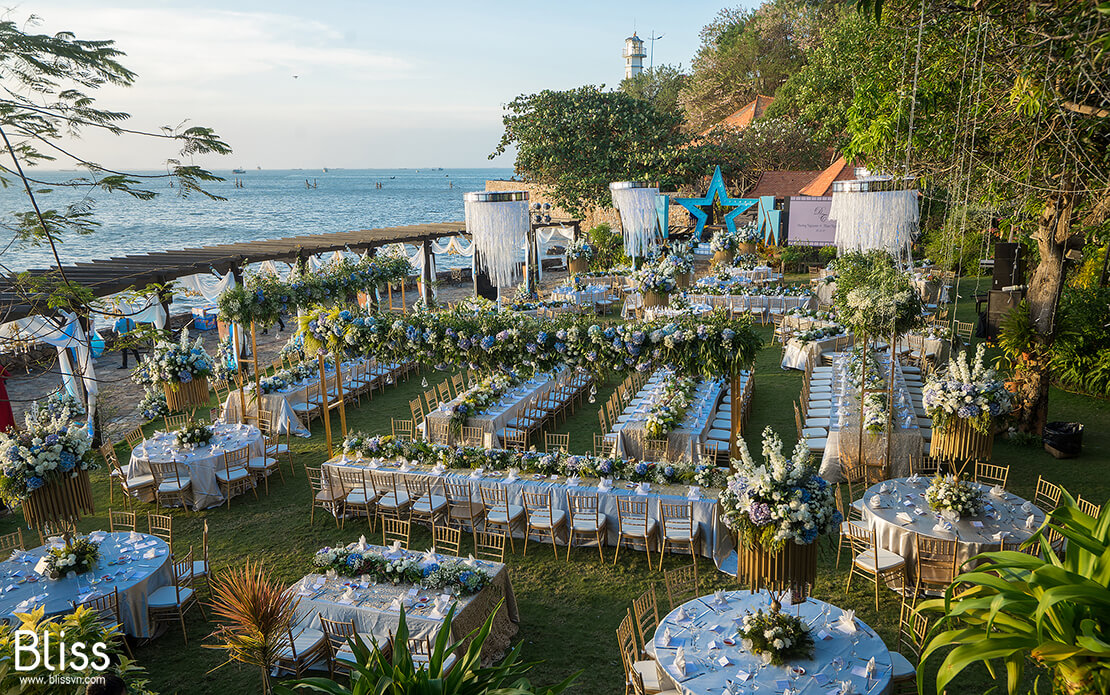 Beach wedding in Phan Thiet – The Dream Come True