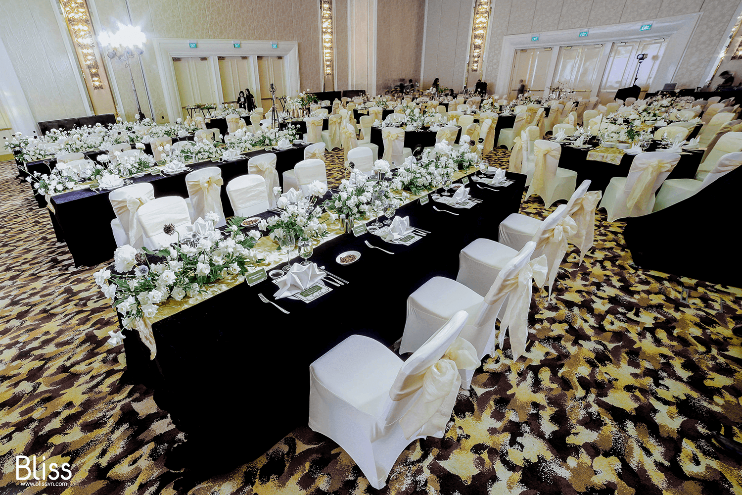 ballroom-su-kien-ki-niem-20-nam-thanh-lap-tai-the-grand-ho-tram-strip-bliss-wedding-event-vietnam
