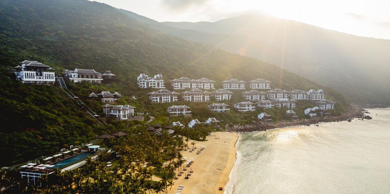 intercontinental đà nẵng - Top resort tổ chức tiệc cưới bãi biển tại Việt Nam