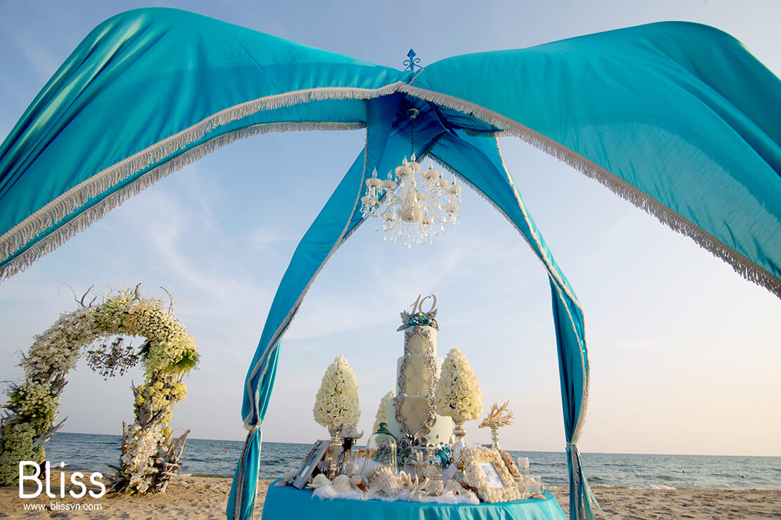 destination wedding in Mui Ne