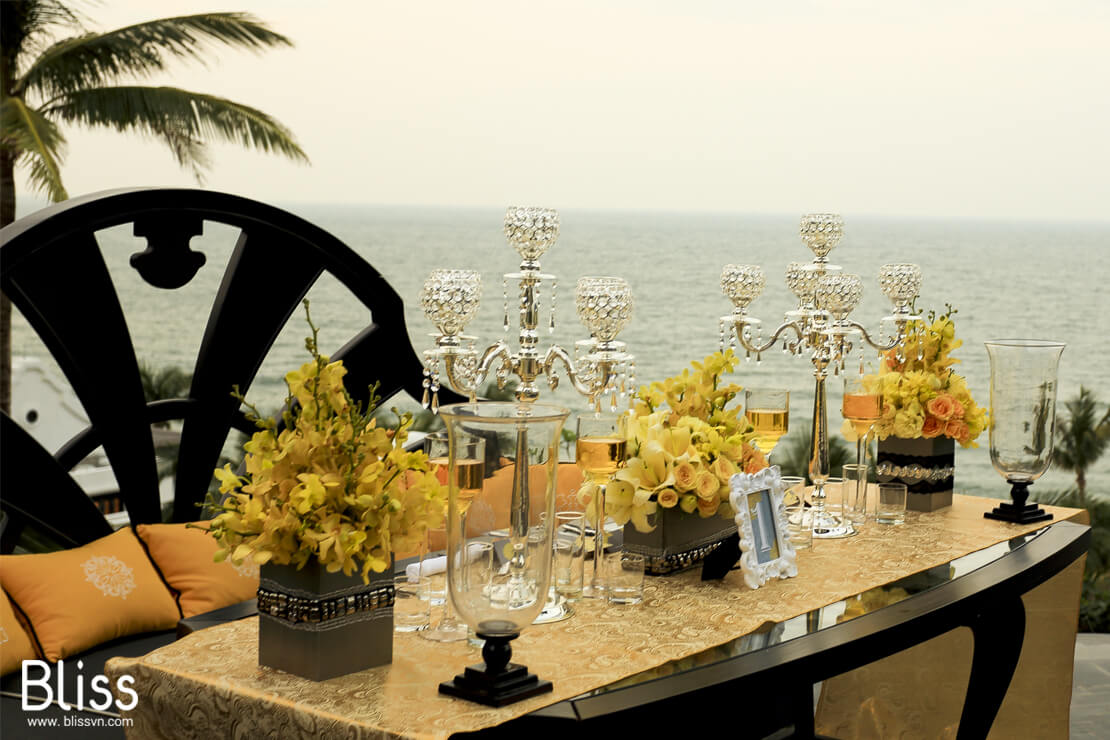 Vietnam beach wedding decoration