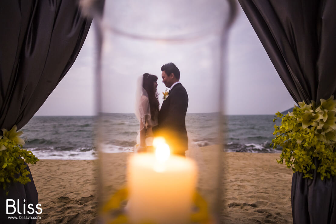 Vietnam beach wedding idea