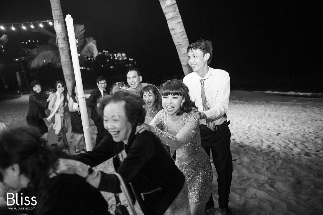 Vietnam beach weddings